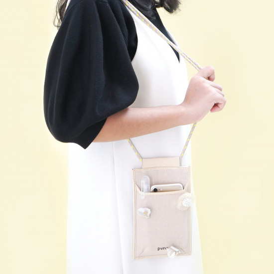 THE MILLY POUCH (IVORY)